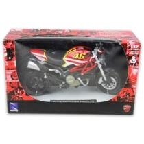 Ducati Monster 796 (No. 46) fém motor műanyag borítással 1:12