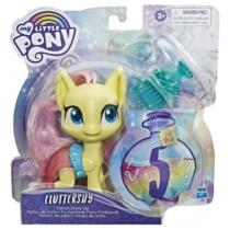 My Little Pony figura Potion Dress Up Fluttershy fésűvel és varázs szerrel