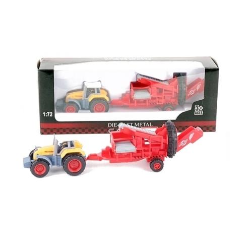 Traktor fém zöld mezőgazdasági gép pótkocsival 1:72
